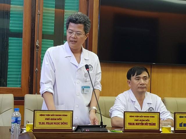 TS Phạm Ngọc Đông - Phó Giám đốc Bệnh viện Mắt Trung ương. Ảnh: V. Thu