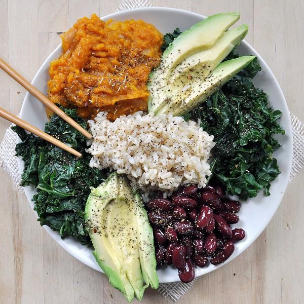 Điểm hội tụ của triết lý và thực hành nằm chính yếu ở thực phẩm và sự ăn uống.