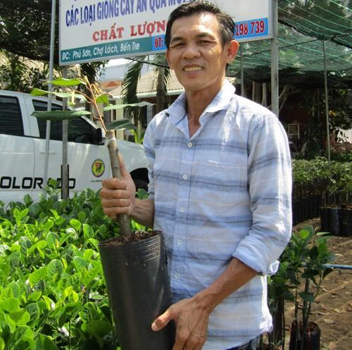 Anh Nguyễn Chí Tâm giới thiệu giống sầu riêng Musang King.