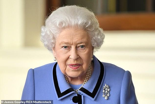 Lời mời được xem như sự tôn trọng của nữ hoàng dành cho nữ công tước và mẹ của mình.