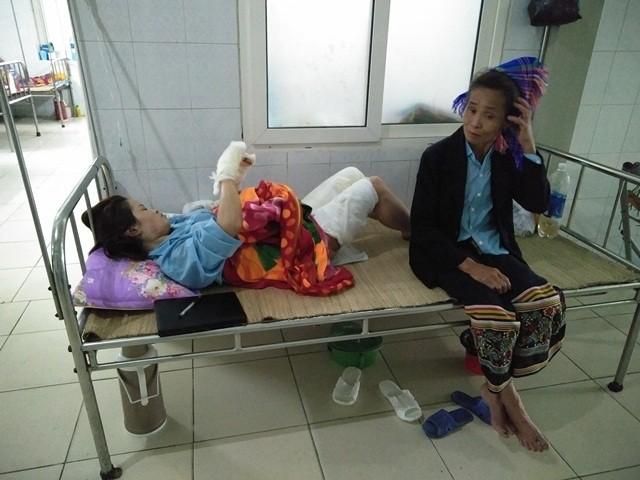 Bà Hương, mẹ đẻ chị Thu đang chăm con tại bệnh viện mong phía cơ quan công an điều tra, làm rõ vụ việc và xử lý nghiêm trước pháp luật