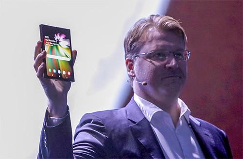 Smartphone màn hình gập của Samsung có viền mỏng.