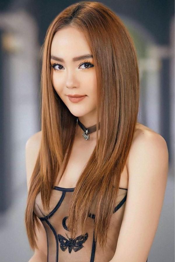 Thông tin hẹn hò giữa Minh Hằng và nguyen_pc đang thu hút rất nhiều sự quan tâm của công chúng.