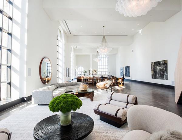 Căn áp mái có bức tường nghệ thuật lớn nhất trong bất kỳ ngôi nhà riêng nào ở thành phố New York
