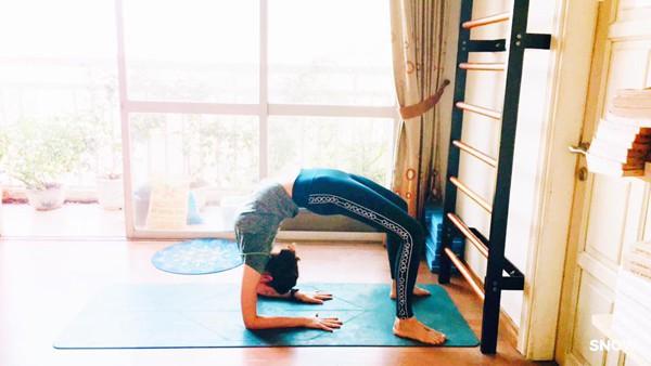 Hoa hậu Thu Thủy thích nhất là được tập yoga mỗi sáng.