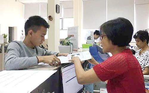 Nam sinh Quang Quốc Việt làm thủ tục nhập học tại Đại học Bách khoa Hà Nội ngày 8/11.