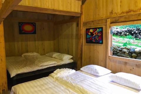 Một phòng view ra suối của U.E.L được cho là tương tự với phòng mà Rory G. thuê.