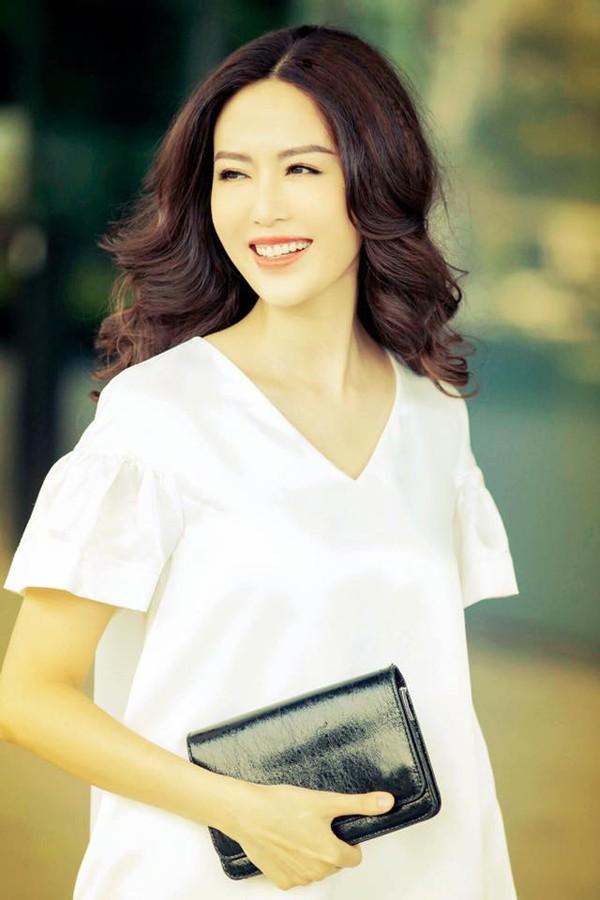 Nhan sắc tuổi 43 của Hoa hậu Thu Thủy.