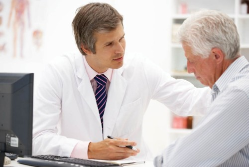 Để chẩn đoán viêm đường tiết niệu ngoài các triệu chứng lâm sàng do bác sĩ khám bệnh khai thác và phát hiện được thì rất cần làm các xét nghiệm có liên quan như siêu âm, chụp X-quang, xét nghiệm nước tiểu tìm căn nguyên vi khuẩn bằng cách cấy nước tiểu đúng thường quy mới hy vọng tìm ra căn nguyên gây nhiễm trùng của nó. Ảnh minh họa