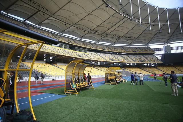 Khu vực kỹ thuật dành cho hai đội tuyển tham gia thi đấu.
