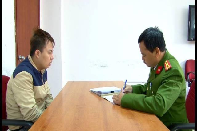 Nguyễn Đức Thắng tại cơ quan điều tra. Ảnh công an cung cấp