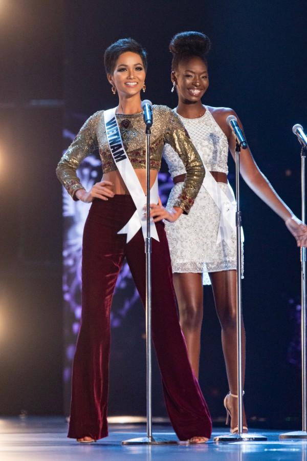 HHen Niê khi lọt vào top 20 chung kết Miss Universe 2018
