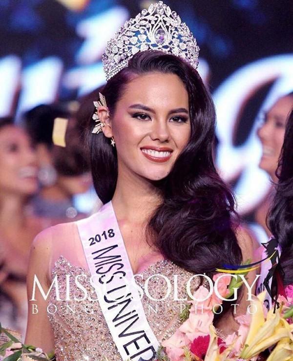 Catriona Elisa Magnayon Gray xuất sắc giành vương miện Hoa hậu Hoàn Vũ 2018.