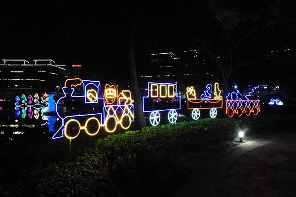 Holiday Lights sẽ còn kéo dài trong 3 tháng và hoàn toàn miễn phí vé vào cửa.