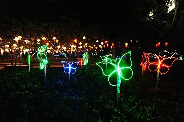Những tạo hình ngộ nghĩnh được thiết kế từ các bóng đèn led.