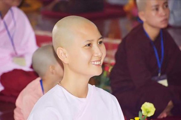 Hình ảnh Nguyễn Thị Hà xuống tóc xuất hiện vào cuối tháng 9 vùa qua.
