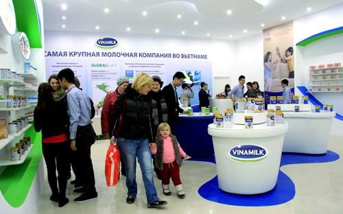Cửa hàng trưng bày sản phẩm Vinamilk tại Nga. Nhân kỷ niệm sinh nhật lần thứ 42, Vinamilk đưa ra hàng loạt chương trình ưu đãi từ ngày 13/8 - 31/8. Thông tin truy cập tại đây .