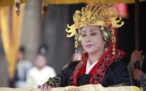 Vai diễn Võ Tắc Thiên để đời của Tư Cầm Cao Oa.