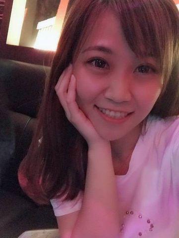 Cô gái Tiểu Hoàng xinh đẹp
