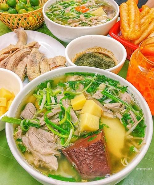 Bún ngan ăn cùng măng tiết trở thành món kinh điển của ẩm thực Hà thành. Ảnh: foungsfood