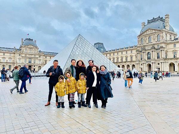 Những hình ảnh tại Pháp trong chuyến đi của Kim Lý, Hà Hồ và đại gia đình cô.