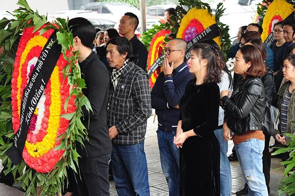 Theo thông báo từ ban tổ chức tang lễ, cùng ngày linh cữu NSND Anh Tú được đưa về nghĩa trang Văn Điển. Đến 15h ngày 3/1/2019, tro cốt của NSND Anh Tú sẽ được đưa về an táng tại công viên nghĩa trang Lạc Hồng Viên, Hòa Bình.