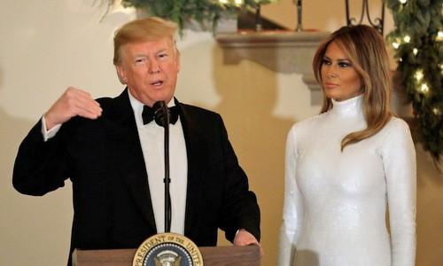 Vợ chồng Tổng thống Trump trong một bữa tiệc ở Nhà Trắng hôm 15/12.
