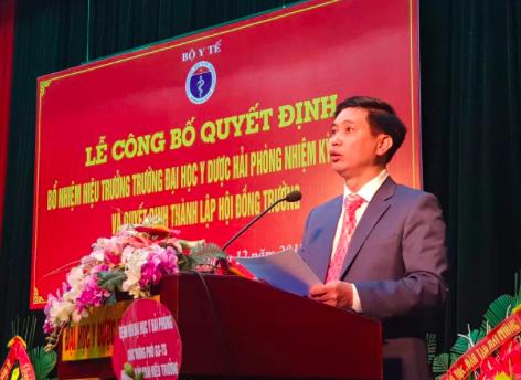 Tân Hiệu trưởng Đại học Y Dược Hải Phòng Nguyễn Văn Khải sinh năm 1967, hiện là Phó Bí thư thường trực Đảng ủy, Phó Hiệu trưởng;