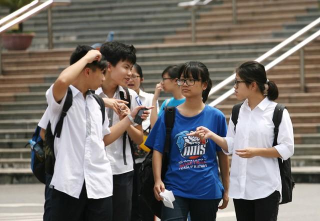 """Tỷ lệ """"chọi"""" vào lớp 10 chuyên tại Hà Nội có gì đặc biệt? - Ảnh 1."""