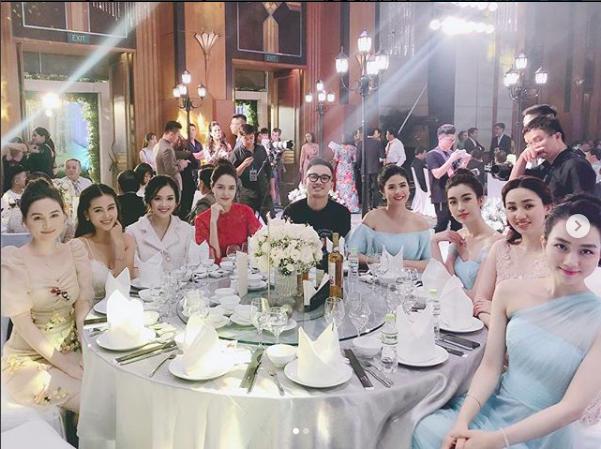 Các khách mời toàn người đẹp và sao có mặt trong đám cưới Á hậu Thanh Tú.