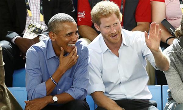 Ông Obama thân thiết với hoàng tử Harry.