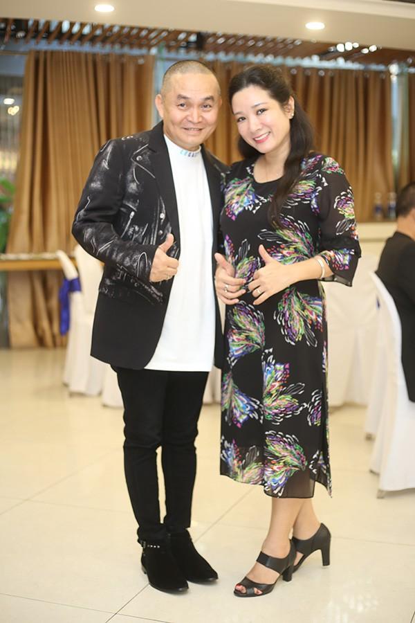 Xuân Hinh và Thanh Thanh Hiền tại buổi họp báo Xuân phát tài tối 3/12 ở Hà Nội.