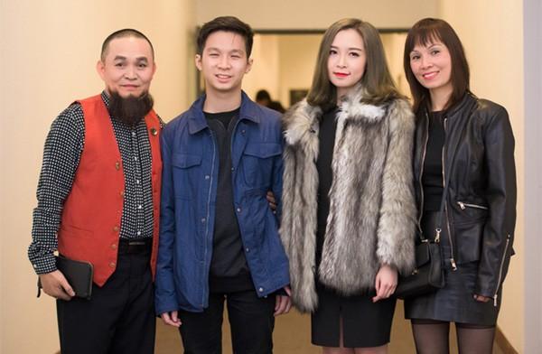 Gia đình Xuân Hinh cùng nhau đi xem một buổi biểu diễn hồi năm 2015.