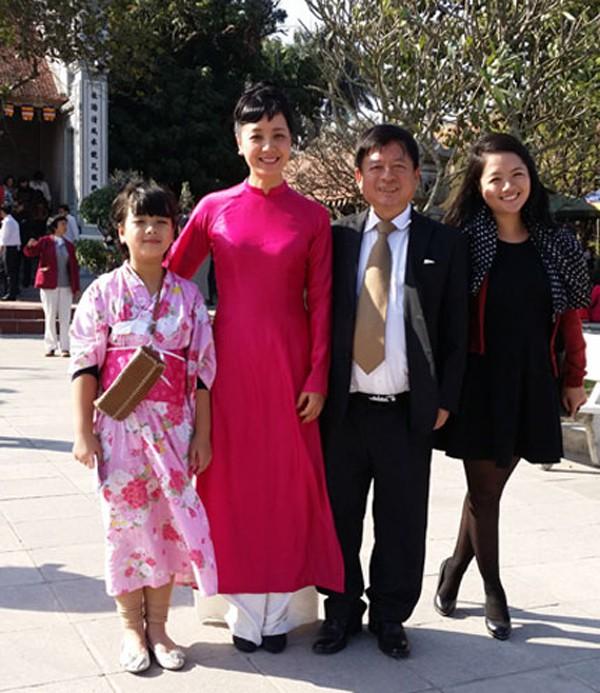 Gia đình hạnh phúc của Chiều Xuân.