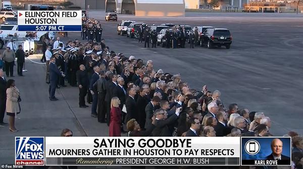 Nhiều người đến tham dự đám tang cựu Tổng thống George H.W. Bush.