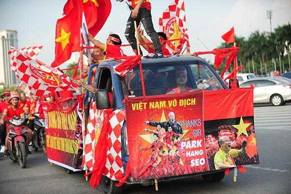 Khẩu hiệu thể hiện niềm tin chiến thắng vào đội tuyển nước nhà.