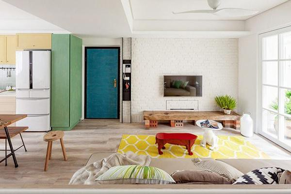 Phòng khách rộng rãi và thoáng sáng.