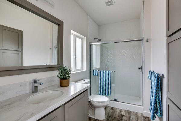 Phòng tắm khác sang chảnh không kém resort hạng sang