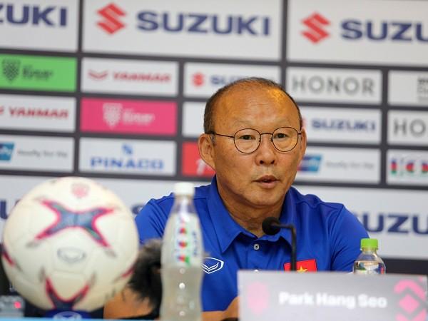 HLV Park Hang-seo tiếp tục làm nức lòng người hâm mộ khi đưa ĐTVN giành quyền vào chung kết