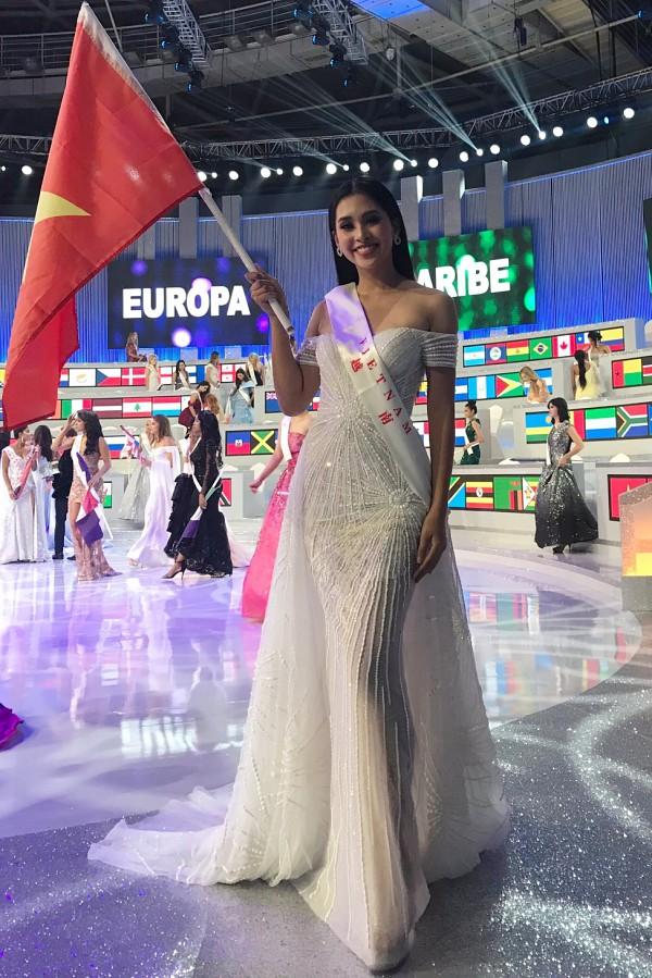 Nhan sắc Tiểu Vy trong đêm chung kết Miss World 2018
