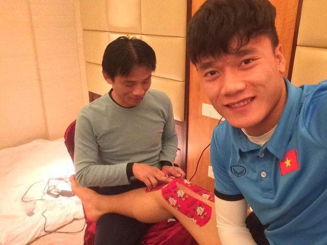 Dưới Đây Là Một Số Hình Ảnh Chăm Sóc Sức Khoẻ Cho Các Cầu Thủ U23 Việt Nam: