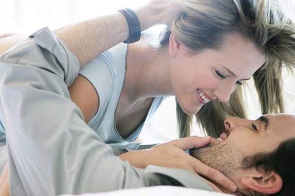 Hãy nói với chàng những điều bạn muốn để cuộc yêu trở nên hoàn hảo hơn (Ảnh minh hoạ)
