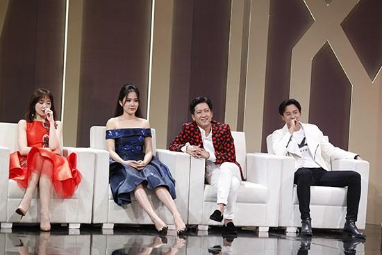 Hoa khôi Nam Em lại có suy nghĩ hoàn toàn trái ngược với Hari Won, người đẹp sẽ giúp đỡ người yêu cũ tận tình khi họ gặp khó khăn chứ không chỉ là những cuộc gặp gỡ đơn thuần.