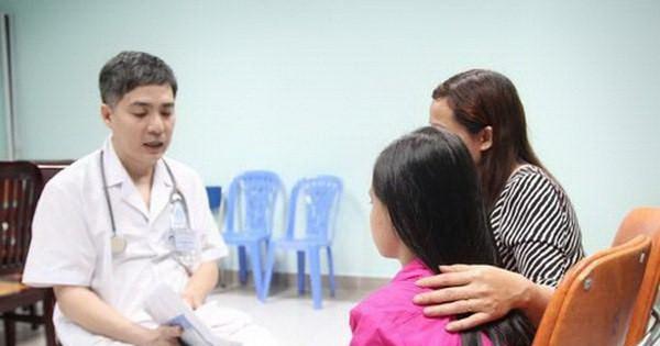 Cha mẹ cần quan tâm đến các em tuổi dậy thì, nếu là bệnh lý cần đưa các em đến bác sĩ để được tư vấn và điều trị.