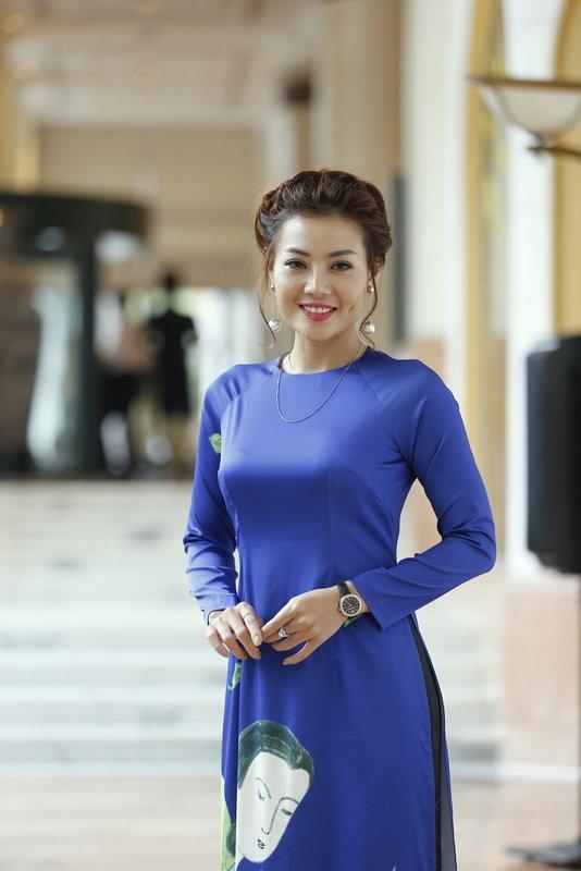 Diễn viên Thanh Hương tại buổi họp báo phim Thương nhớ ở ai.
