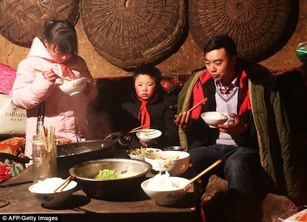Gia đình nhỏ của Wang Fuman.