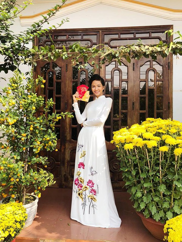 Hình ảnh Hhen Niê đẹp hơn trong mắt khán giả.