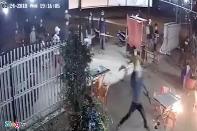 Bắt 2 nghi phạm tham gia truy sát chủ quán nhậu