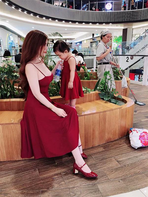 Bị từ chối Chị không mặc vừa tất cả các mẫu bên em, mẹ 9x nặng 70kg quyết giảm cân thành công - Ảnh 10.