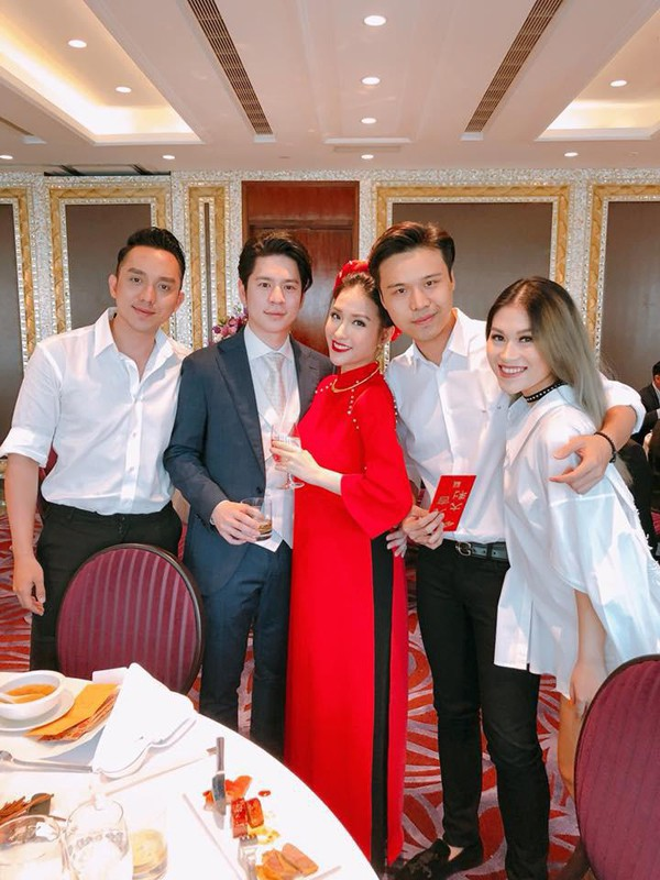 Diễn viên La Quốc Hùng và Ngọc Thanh Tâm đến chúc mừng hạnh phúc của Mai Hồ.
